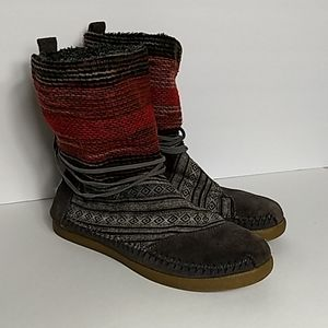 Toms Nepal Ankle Boot Gray Suede Aztec Design